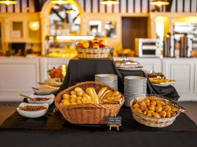 CZ-Praag_Hotel Uno***_ontbijtbuffet