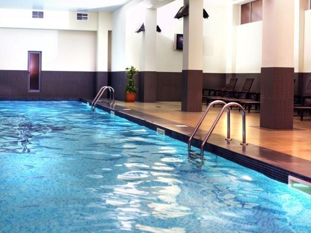 Yerevan - Ani Plaza Hotel **** - zwembad