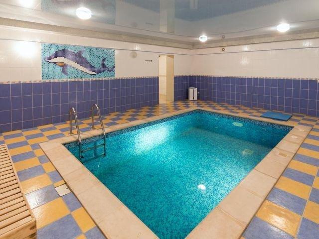 Yaremche - Hotel Stanislavskiy *** - binnenzwembad