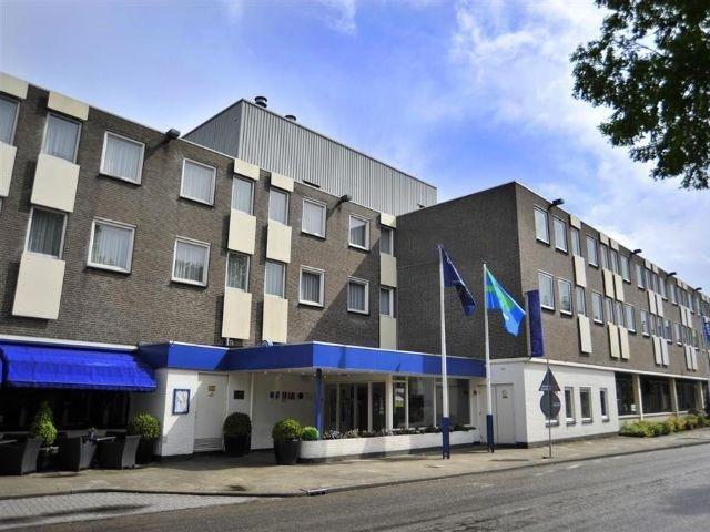 Weert - Fletcher Hotel Weert - hotel aanzicht