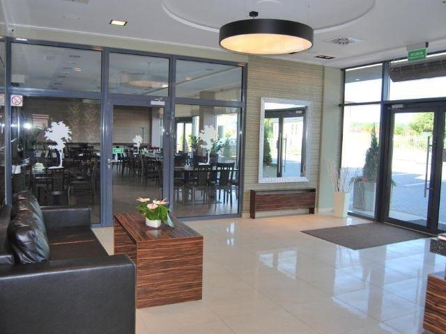 Kowale - Hotel Cztery Brzozy - entree
