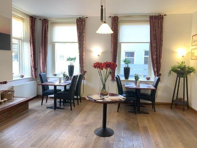 Uithuizen - Hotel het Gemeentehuis - restaurant