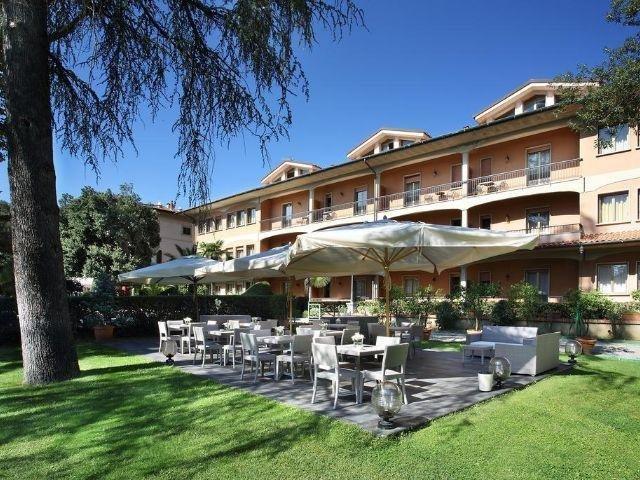 Pescia - Hotel Villa Delle Rose - terras
