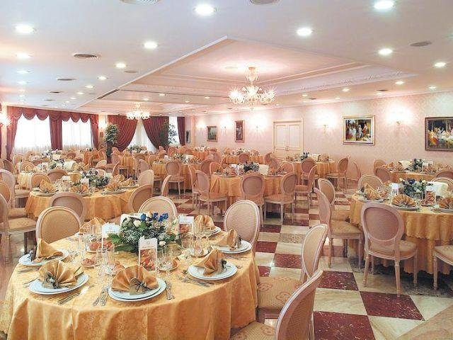Pomezia - Hotel Principe - eetzaal