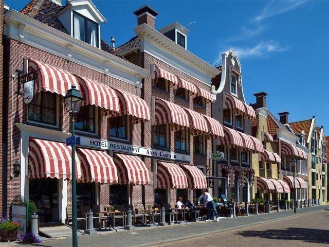 Harlingen - Hotel Anna Casparii - hotel aanzicht