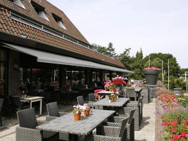 Arnhem - Van der Valk Hotel Arnhem - terras