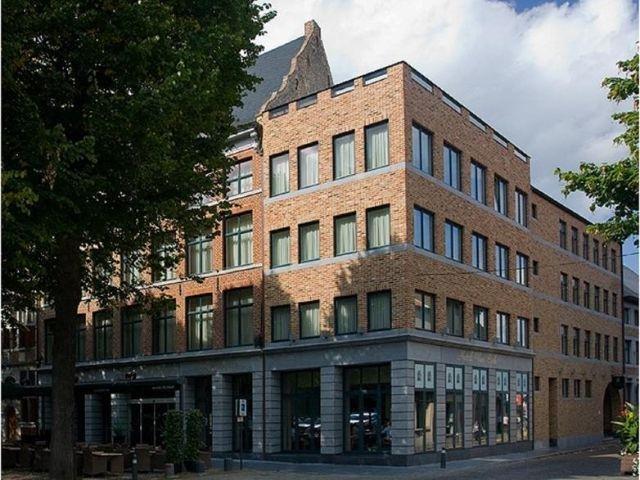 Maaseik - Hotel van Eyck - hotel aanzicht