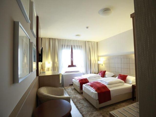 Zagreb - Hotel Raca - voorbeeldkamer