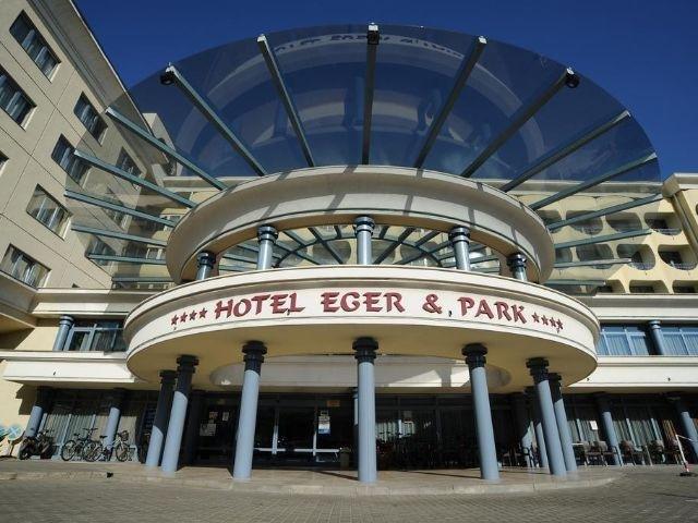Eger - Hotel Eger & Park - entree