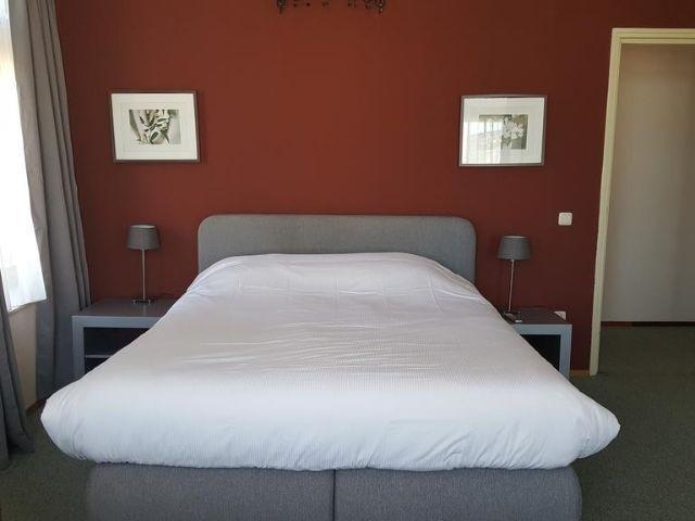 Uithuizen - Hotel het Gemeentehuis - voorbeeld kamer