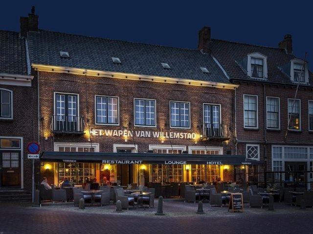 Willemstad - Hotel Wapen van Willemstad - hotel aanzicht