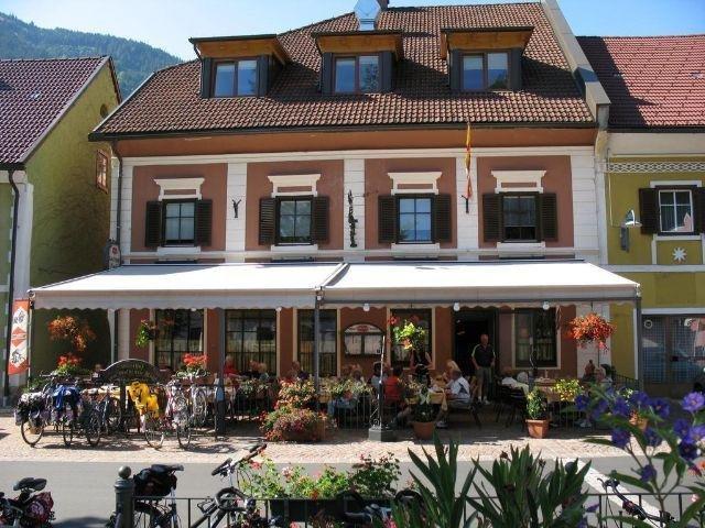 Sachsenburg - Hotel Goldenes Rössl - hotel aanzicht