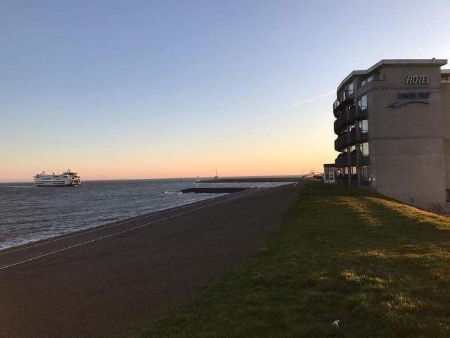 Den Helder - Hotel Lands End - hotel aanzicht