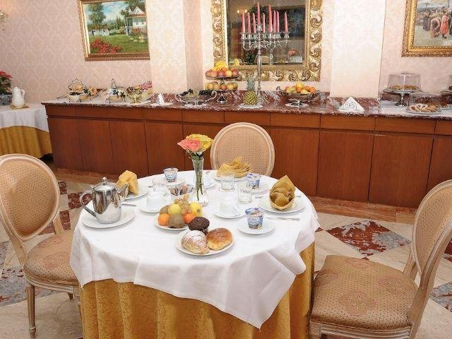 Pomezia - Hotel Principe - ontbijtzaal