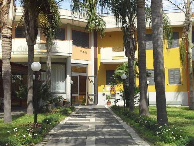 Mascali - Park Hotel Oasi *** - aanzicht hotel