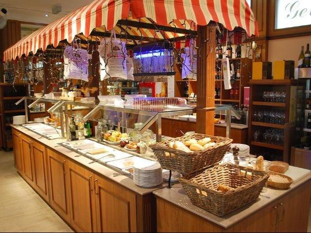 Stockerau - Hotel Kaiserrast *** - buffet