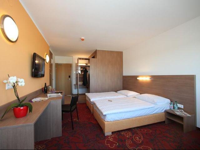 Stockerau - Hotel Kaiserrast *** - 2-persoonskamer