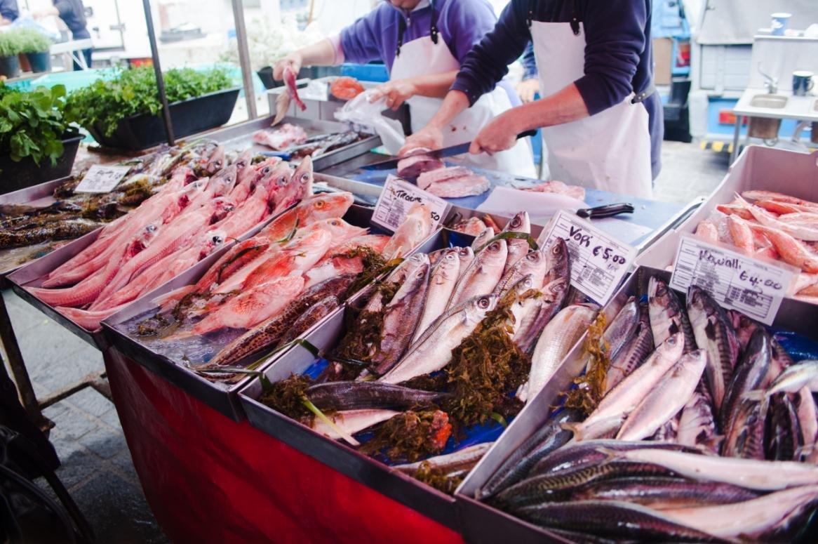 lokale vismarkt in marsaxlokk